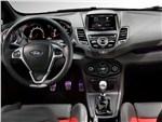 Ford Fiesta ST 2013 водительское место