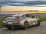 Nissan GT-R 2013 вид сзади
