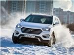 Hyundai Grand Santa Fe 2013 вид спереди