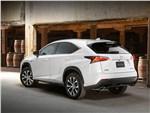 Lexus NX - Lexus NX 2014 вид сзади