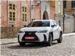 Lexus UX 2019 вид спереди