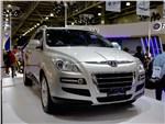 Luxgen SUV 2013 вид спереди