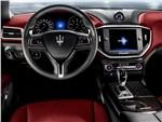 Maserati Ghibli 2014 водительское место