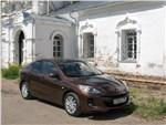 Mazda 3 2011 вид спереди