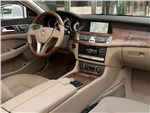 Mercedes-Benz CLS 2013 водительское место