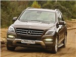 Mercedes-Benz M-Class - Mercedes-Benz ML 350 CDI 4Matic 2012 вид спереди