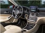 Mercedes-Benz GLA-Class - Mercedes-Benz GLA-klasse 2017 салон
