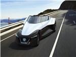Nissan BadeGlayder concept 2013 вид спереди на дороге