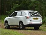Mitsubishi Outlander Commercial 2013 вид сзади 3/4