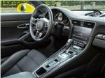 Porsche 911 Carrera 4S - Porsche 911 Carrera 4S салон