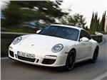 Porsche 911 Carrera GTS -