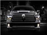 Dodge Ram 1500 Black Express 2013 вид спереди