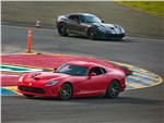 Chrysler SRT Viper GTS 2013 вид сбоку
