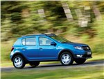 Dacia Sandero Stepway 2013 вид сбоку