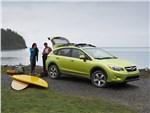 Subaru XV Crosstrek Hybrid 2014 вид спереди сбоку