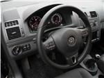 Volkswagen Touran - Volkswagen Touran 2011 водительское место