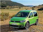 Volkswagen Cross Caddy 2010 вид спереди
