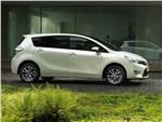 Toyota Verso 2013 вид сбоку