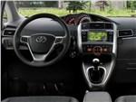 Toyota Verso 2013 водительское место
