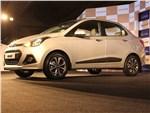 Hyundai Xcent 2014 вид спереди сбоку