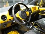 Volkswagen e-load Up! 2013 водительское место