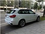 BMW X5 M - BMW X5 M50d 2013 вид сбоку