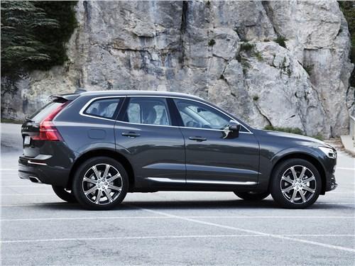 Volvo XC60 2018 вид сбоку