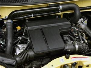 Предпросмотр suzuki wagon r+ 2004 моторный отсек