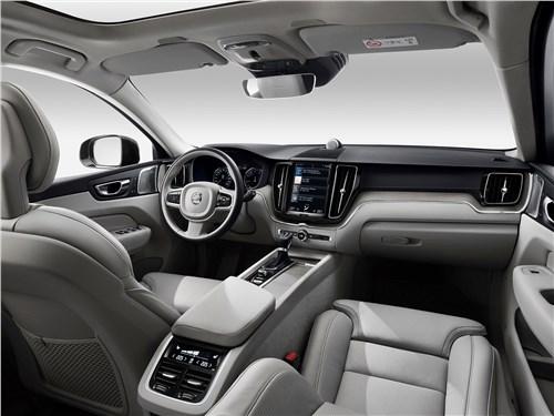 Volvo XC60 2018 салон