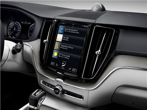 Volvo XC60 2018 центральная консоль
