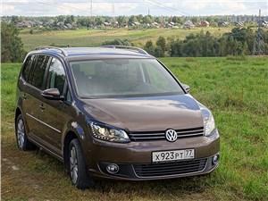 Volkswagen Touran - volkswagen touran 2011 вид спереди