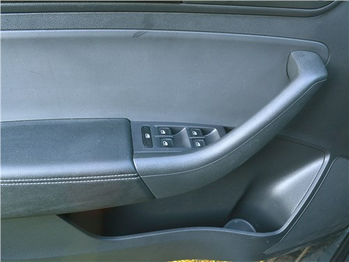 Volkswagen Polo (2020) дверь