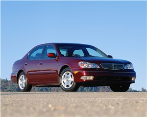 Infiniti I30 2001 построена на базе модели Nissan Maxima
