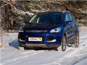 Ford Kuga 2013 вид спереди