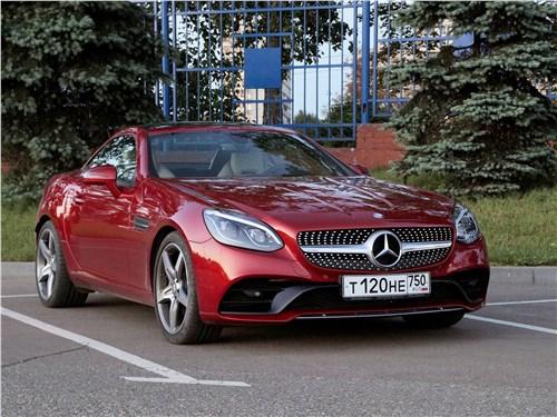 Mercedes-Benz SLC 2017 вид спереди