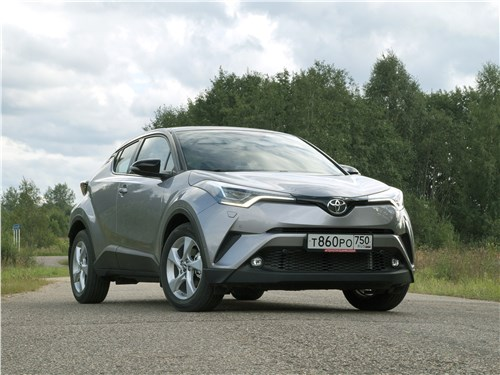 Toyota C-HR 2016 вид спереди