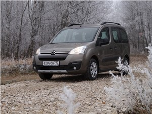 Citroen Berlingo - Citroen Berlingo 2012 вид спереди