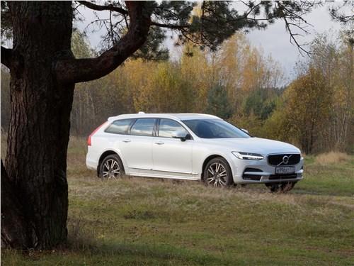 Volvo V90 Cross Country 2017 вид сбоку