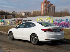 Acura TLX 2015 вид сзади
