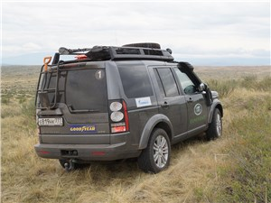 Land Rover Discovery 2014 вид сзади