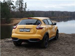 Nissan Juke - Nissan Juke 2015 вид сзади