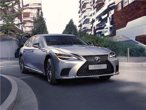 Новость про Lexus - Lexus обновил российский LS