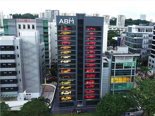 В Сингапуре открыли «автомат» по продаже суперкаров
