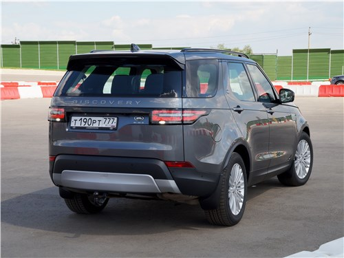 Наша земля Discovery - Land Rover Discovery 2017 вид сзади