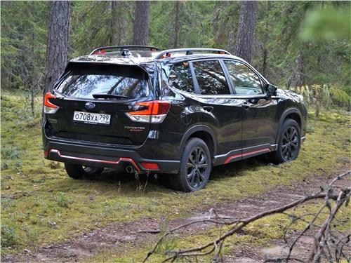 Subaru Forester Sport (2019) вид сзади