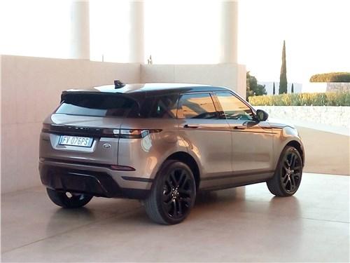 Land Rover Range Rover Evoque 2020 вид сбоку сзади