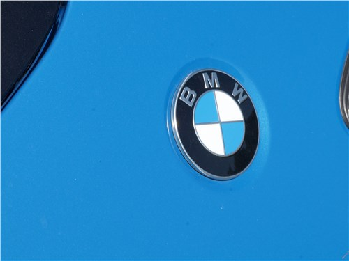 BMW X2 2019 эмблема