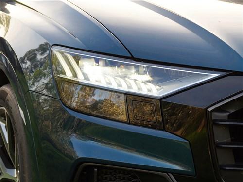 Audi Q8 2019 передняя фара