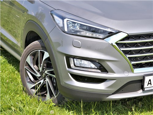 Hyundai Tucson 2019 передняя фара