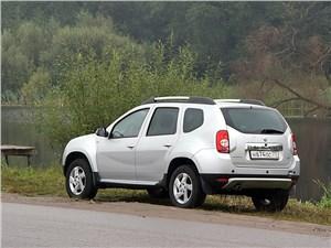 Renault Duster 2012 вид сзади